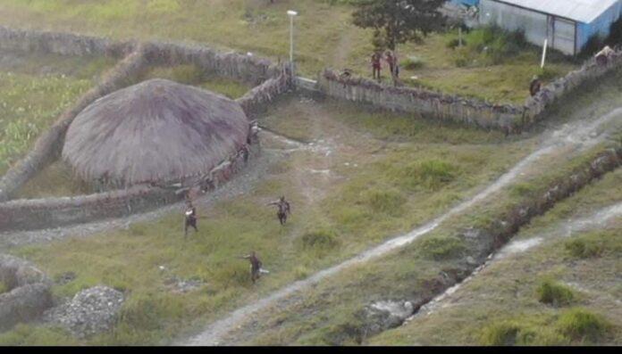 TNI-Polri Bikin Teroris KKB Papua Kocar-kacir, 1 Orang Tertembak